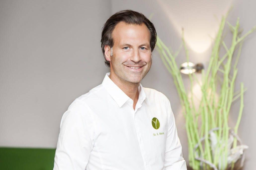 Dr. Alexander Henze